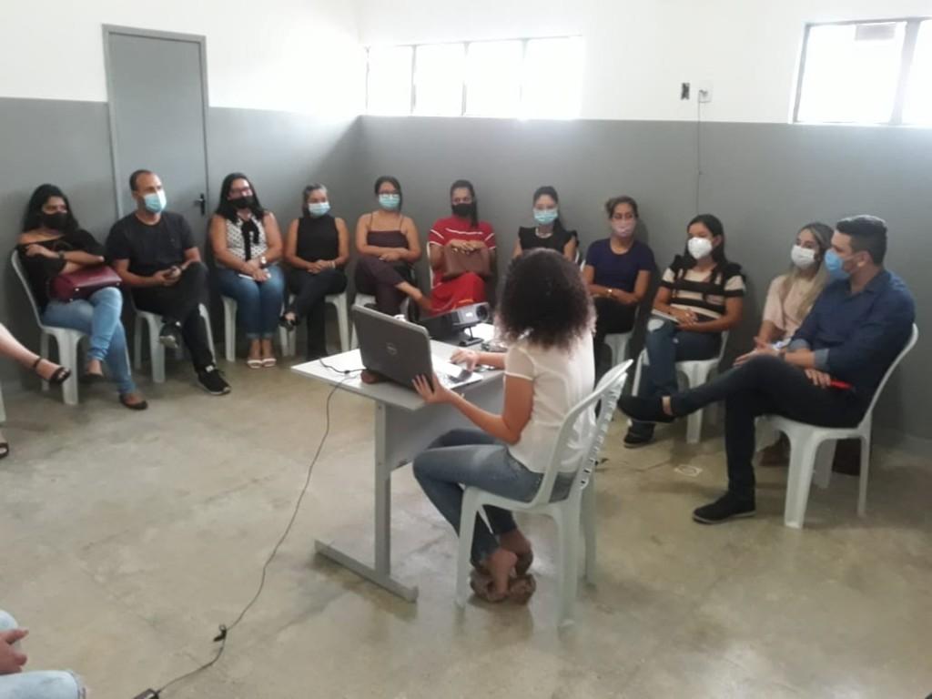 A Secretaria de Saúde de Araçagi realizou nesta sexta as primeiras capacitações para os profissionais de saúde